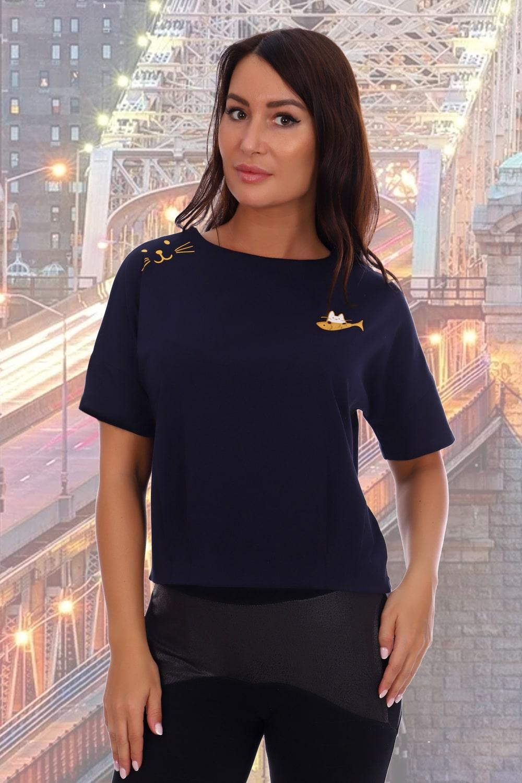 Синяя стильная футболка