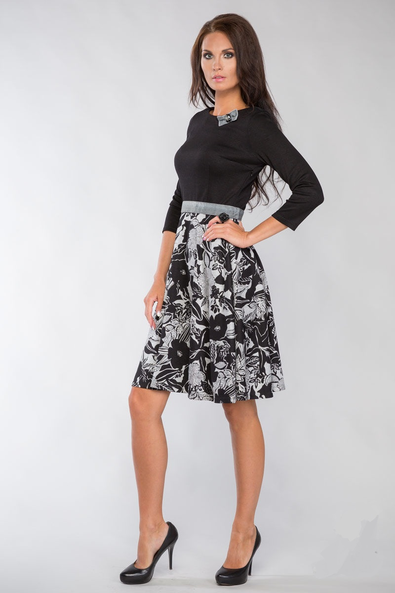 Эффектное приталенное платье LalaStyle 1117-58