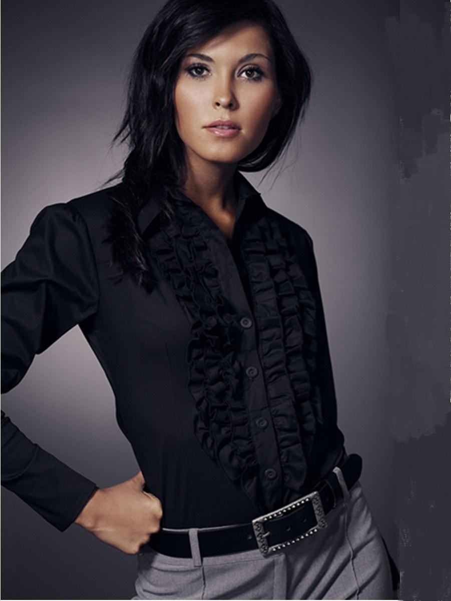 Черная женская блузка с рюшами Nife К01