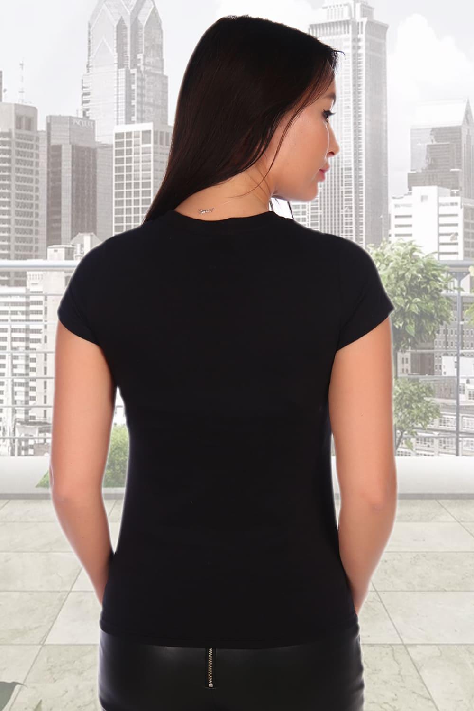 Черная женская футболка с принтом