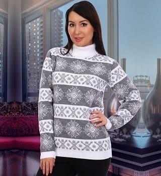 Женский серый свитер со снежинками