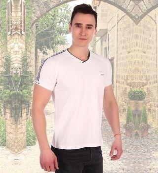 Белая футболка с полосками на рукавах