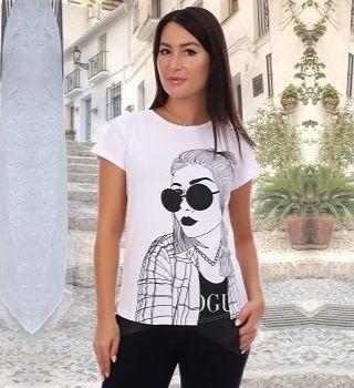 Молодежная футболка для девушки