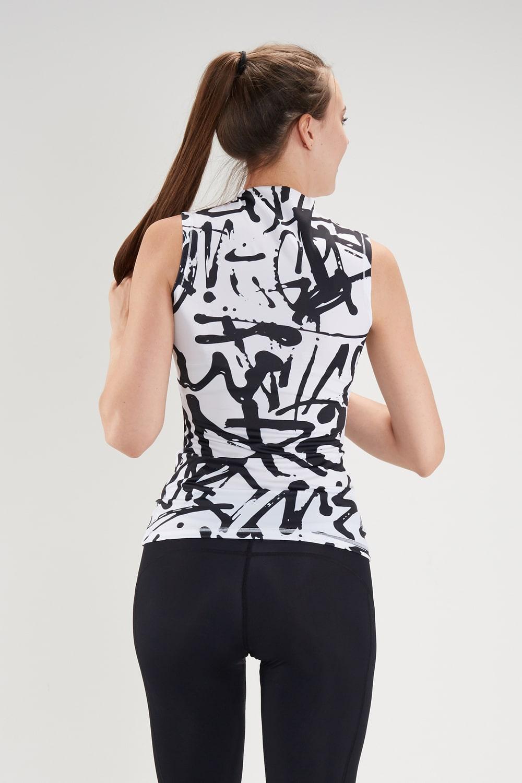 Женская футболка для фитнеса