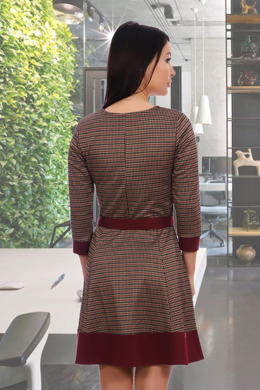 Жаккардовое платье с расклешенной юбкой
