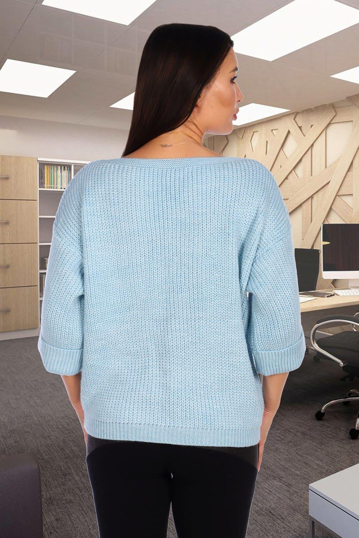 Голубой женский свитер свободного силуэта