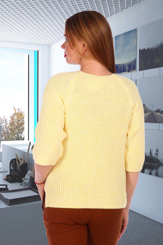 Желтый вязанный свитер женский
