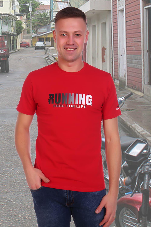 красная мужская футболка с принтом