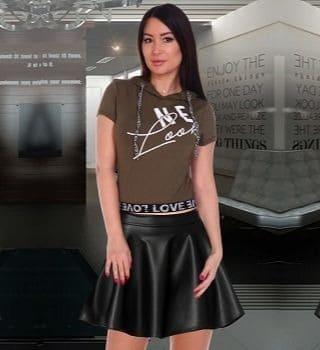 Модная футболка с капюшоном Natali