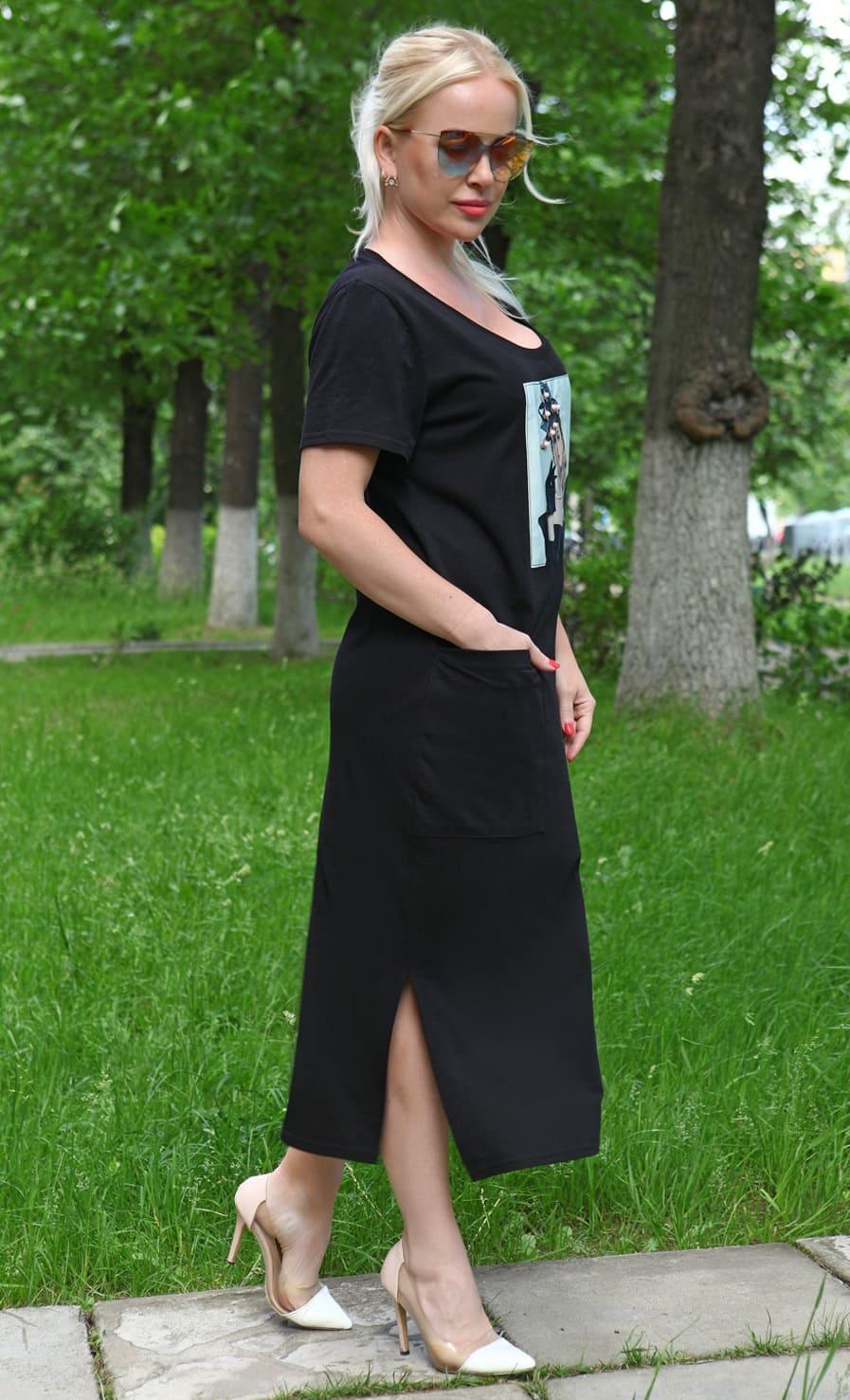 Черное платье с аппликацией