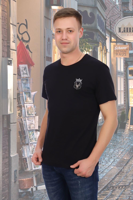 мужская футболка с эмблемой