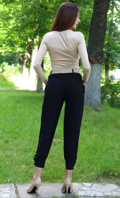 Льняные брюки черного краска а