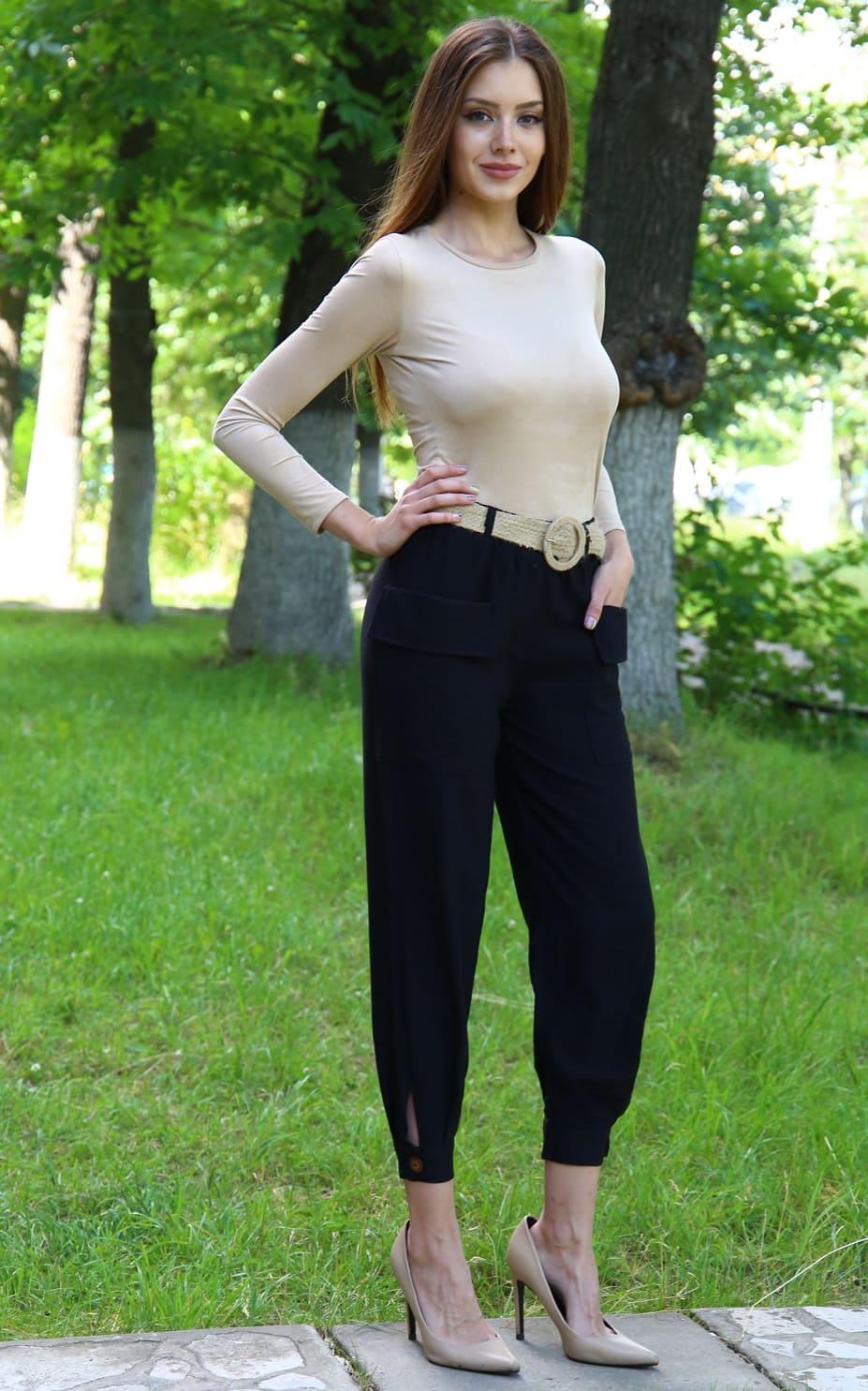 черные льняные брюки
