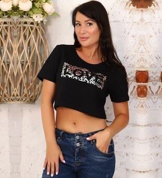 Укороченная черная футболка Natali
