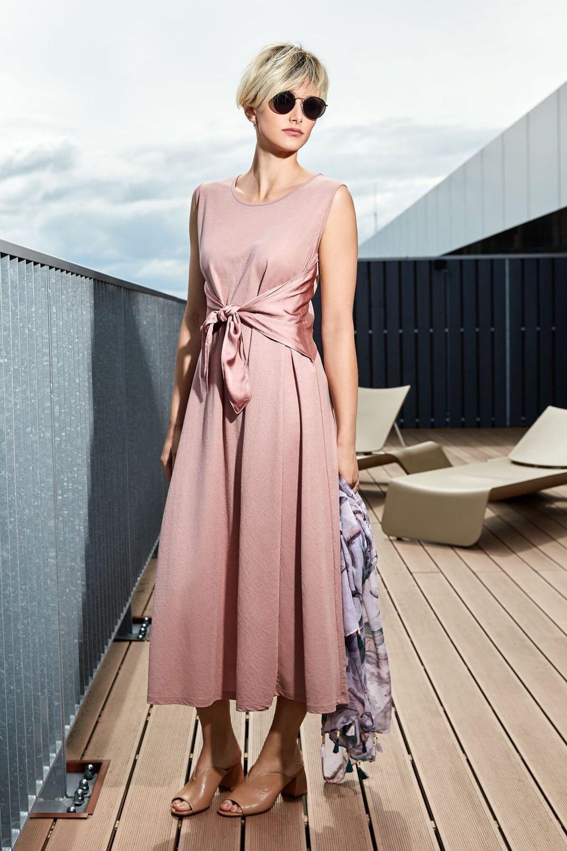 розовое летние платье