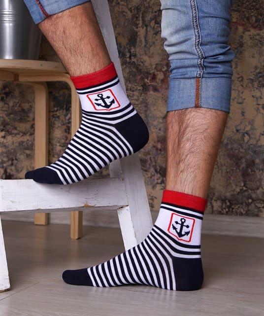 мужские носки в морском манере