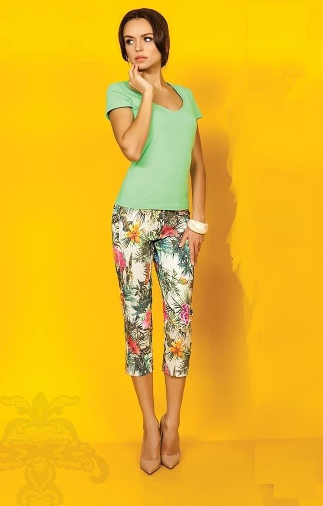 Салатовая женская футболка с глубоким декольте Top Design A5 009