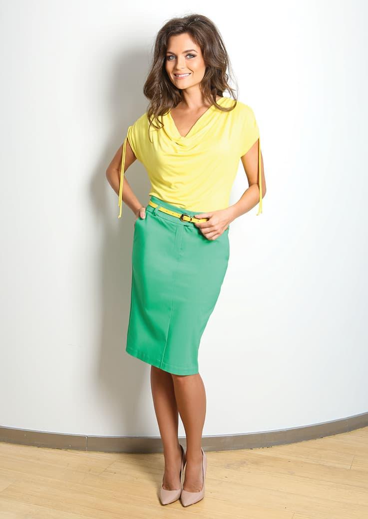 желтая летняя блузка