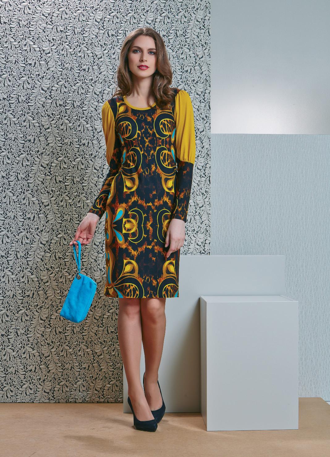 Яркое платье с длинным рукавом TopDesign B4 085