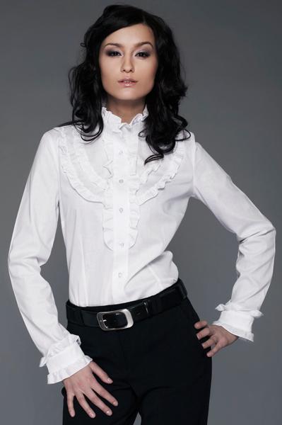Белая женская блузка с рюшами Nife К10