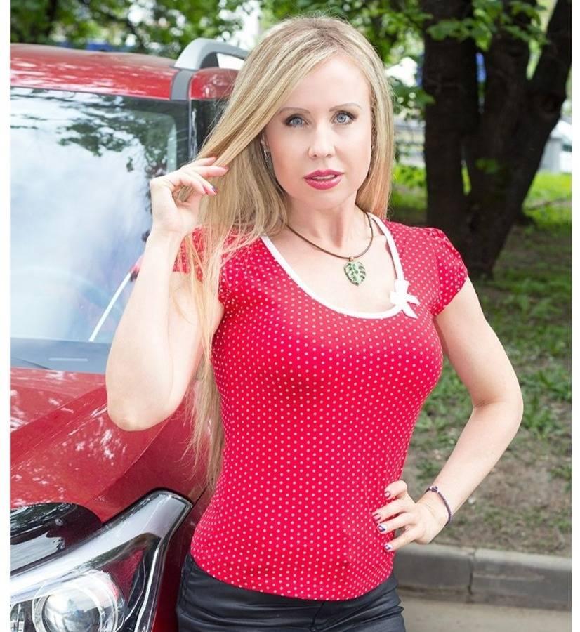 Красная блузка в белый горошек LalaStyle 1099
