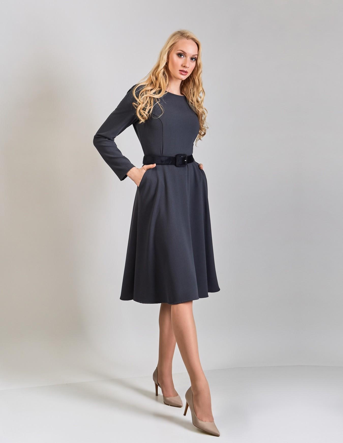 Серое элегантное платье TopDesign В8 005